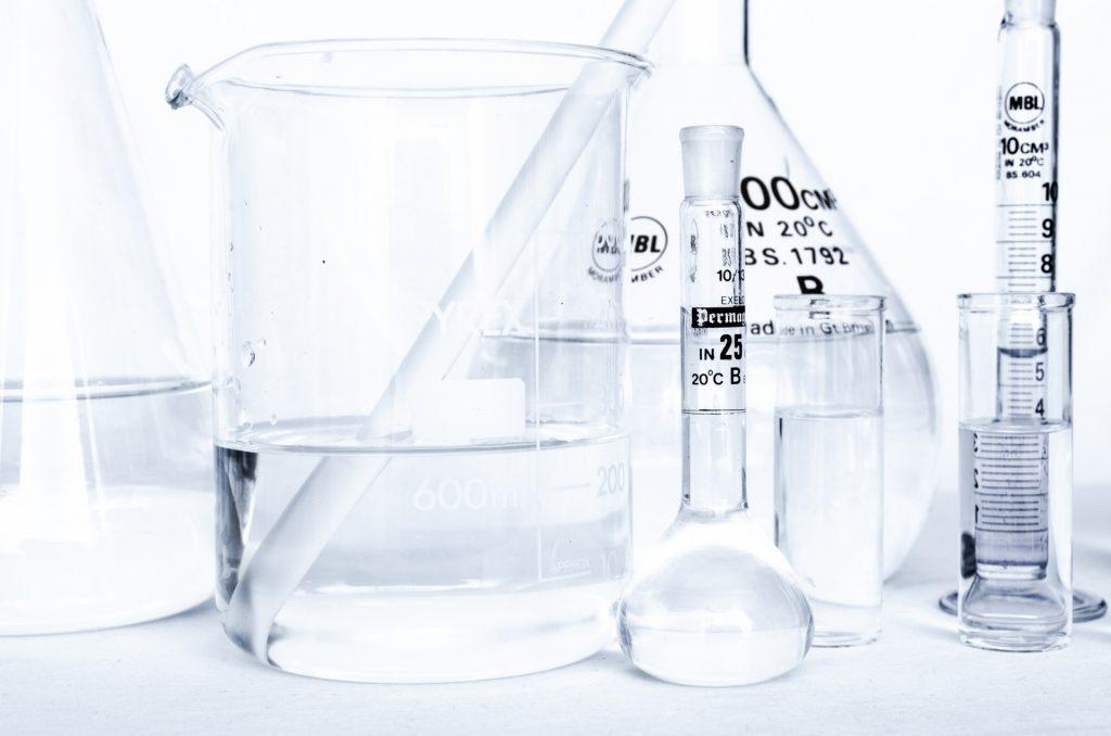 qualitätsanalyse chemikalien